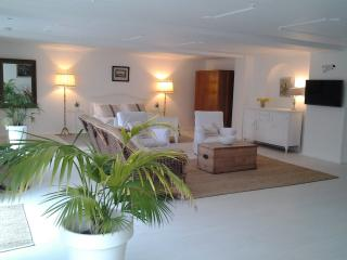 Very spacious apartment in Armscote Cotswolds - Armscote vacation rentals