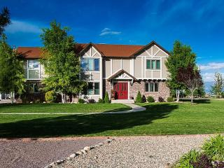 Amazing 3,900 Sq Ft Custom Home on 1+ Acre in the - Grand Junction vacation rentals