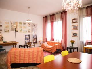 Beautiful flat in the  centre of Milano - Lombardy vacation rentals