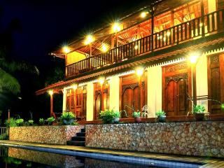 4 Bedroom Javanese Villa with Seaview - Mataram vacation rentals