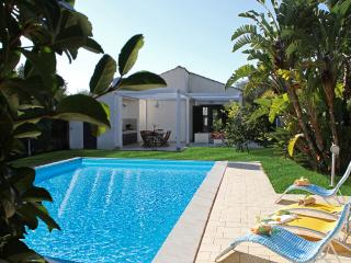 VILLA PLAYA GRANDE: villa with private pool, 800 m - Sicily vacation rentals