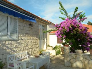Apartment Ivanka A1 - 4+1 - Supetar vacation rentals