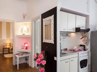 La Casa delle Peonie - Rome vacation rentals