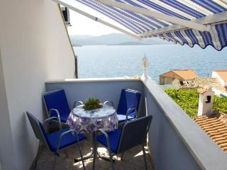 Apartment Ivana 6 (2+2) with sea view and Wi-Fi - Klek vacation rentals