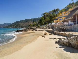 Playasola- private beach, infinity pool- jetted tub & sports complex - Mismaloya vacation rentals