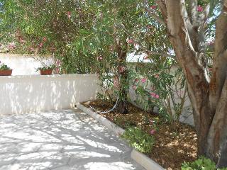 Villa Caraibi di Torre Lapillo 100mt mare BONOMI - Maruggio vacation rentals