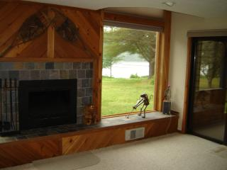 Tripp Lake townhouse - overlooking lake - Bolton Landing vacation rentals