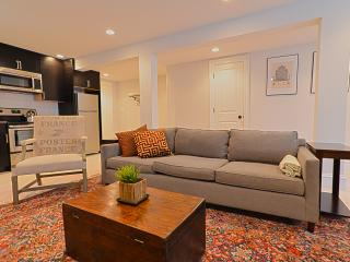 Cozy on East Capitol Street 2BR 2BA - Washington DC vacation rentals