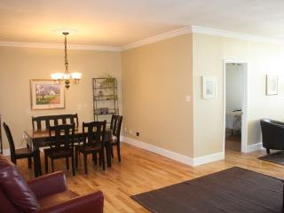 2 Bedrooms condo:prime location in Old city - Quebec City vacation rentals