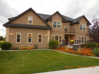 Large Luxury Home in Nampa- Close to Downtown - Nampa vacation rentals