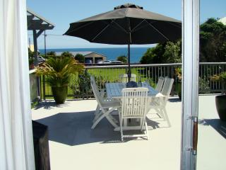 Seven Heaven - Beautiful Large Beach House - Oakura vacation rentals