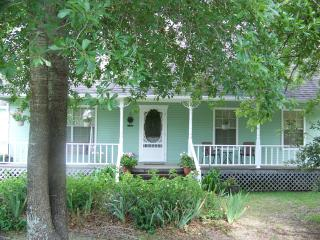Country Charm B&B - Ben Wheeler vacation rentals
