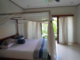 Beachside sanur 2 bedroom pool villa walk to shops - Sanur vacation rentals