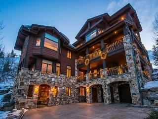 Chateaux du Mont in Deer Valley with Ski-In/Ski-Out Access and Private Outdoor Hot Tub - Park City vacation rentals