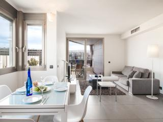 Casa Nitz, brand new apartment,terrace and seaview - San Lorenzo vacation rentals
