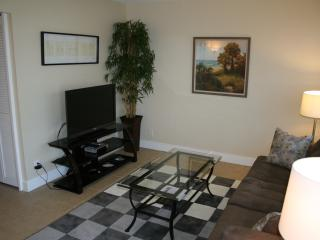 1 BD/BTH close to dwntwn/Las Olas, port and beach - Fort Lauderdale vacation rentals