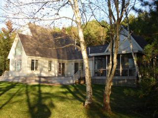 Waterfront Cottage Westport Isl NOW BOOKING FALL - Boothbay Harbor vacation rentals
