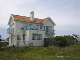 2 bedroom chalet w/ ocean view, beach across the s - Maldonado Department vacation rentals