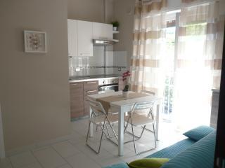 Porto Maurizio: Nuovissimo Bilocale a Borgo Marina - Imperia vacation rentals