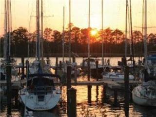 NEW BERN/FAIRFIELD HARBOUR Vacation Condo - Pollocksville vacation rentals
