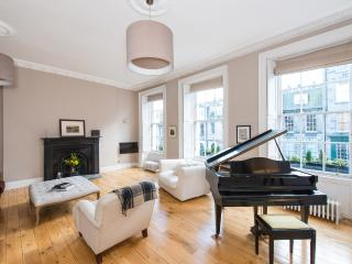 Georgian upper townhouse - Edinburgh vacation rentals