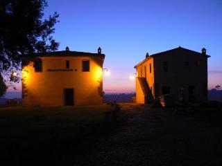 Palazzuolo Due - Il Fienile - Monte San Savino vacation rentals