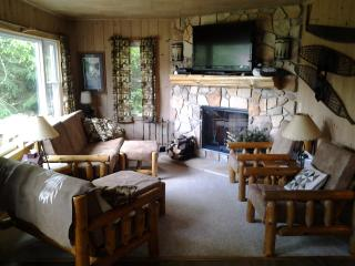 Riley's Retreat - Phelps vacation rentals