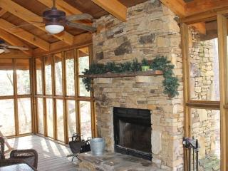 "Mentone ""Rest Easy"" - screened porch and fireplace - Alabama Mountains vacation rentals"
