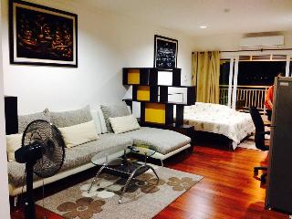 RCH15 Central Hua Hin Studio Condo - Hua Hin vacation rentals