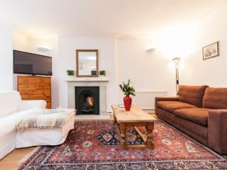 Kensington Lovely 2bed/2bath - London vacation rentals