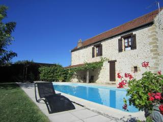 la maison de Lassagne - Saint-Andre-d'Allas vacation rentals