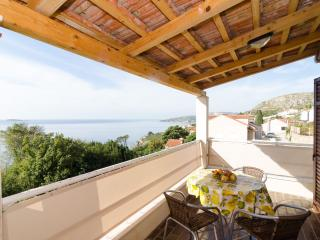 Apartments Matusko - One-Bedroom Apartment with Sea View and Balcony - 2 - Plat vacation rentals