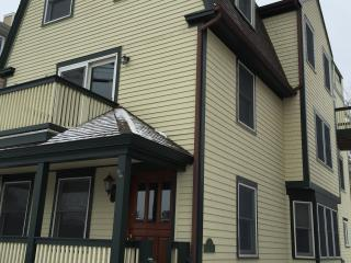 Harbor view home in downtown Newport on the Wharf - Newport vacation rentals