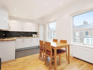 Maida Vale Big newly refurb 3 bed 2 bath, 98 - London vacation rentals