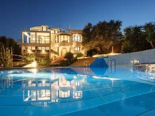 Space and comfort at Villa Joy minutes from heart of town & sandy beach with pool and housekeeping - Chania Prefecture vacation rentals