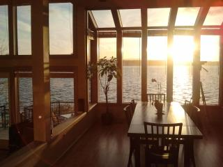 Secluded Beach Front Just Minutes to Seattle - Seattle vacation rentals