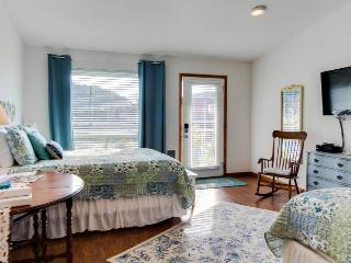 Ocean Cove: Tidewater - Yachats vacation rentals
