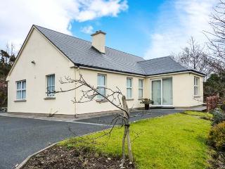 ROSHIN, detached, all ground floor, off road parking, garden, in Westport, Ref 921241 - Castlebar vacation rentals