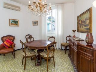 Dante, just a few steps from the sea - Rapallo vacation rentals