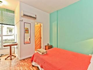 RioBeachRentals - Ipanema Close to the Beach #153B - Ipanema vacation rentals