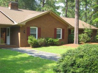 4 Bedroom, 4 Bath house, 8 beds,pool table - Pinehurst vacation rentals