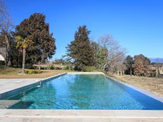 LE CHATEAU DES CINQ CANTONS - Carpentras vacation rentals