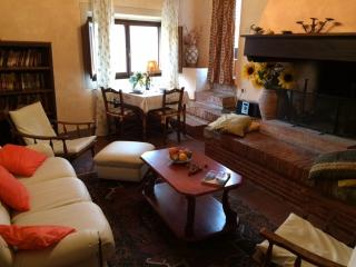 1BR Loft apartment La Bellavista - Chianti - Castellina In Chianti vacation rentals