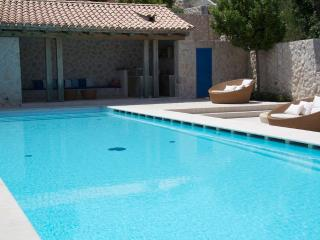 House with pool for rent,  Zaton, Dubrovnik - Croatia vacation rentals