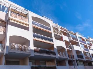 Outstanding 1 Bedroom Apartment in Heart of Juan les Pins - Juan-les-Pins vacation rentals