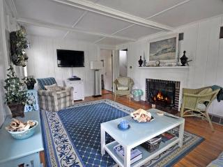 Starfish Cottage-Walk to Beach & Village! Pets Ok! - Cape Cod vacation rentals
