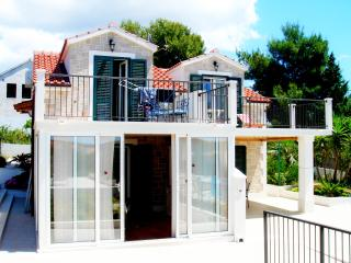 Apartment Milna Brac Villa Julia - Cove Makarac (Milna) vacation rentals