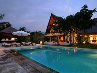 Villa Rumah Buka - Temukus vacation rentals