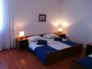 Rooms Nediljka - 24531-S20 - Benkovac vacation rentals