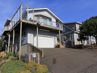 Beautiful Ocean Views & Immaculate Interior--A Suite Retreat! - Lincoln City vacation rentals